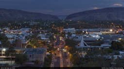 Lars-alice_springs_at_dusk